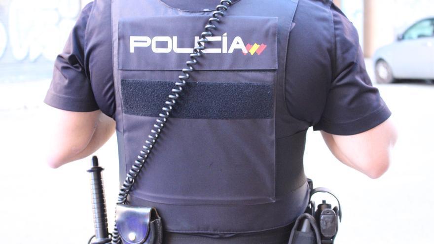 Detenido en Sagunt por retener a su pareja y atacar a los policías que intentaban ayudar a la mujer