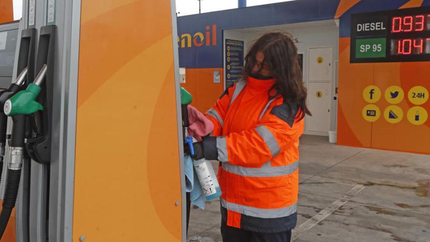 El precio del carburante se desploma