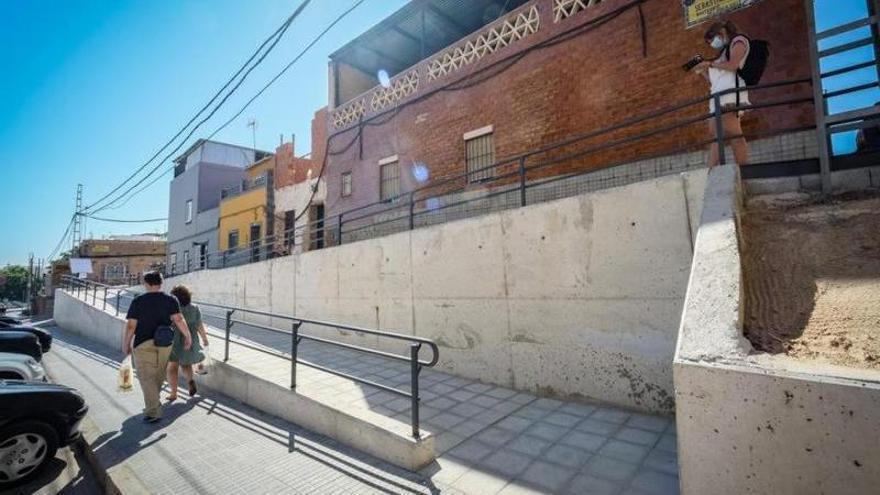 El ayuntamiento mejorará las aceras de Antonio Domínguez