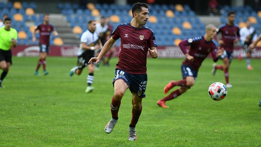 1-1. Charles logra el empate en la vuelta del Pontevedra a Pasarón