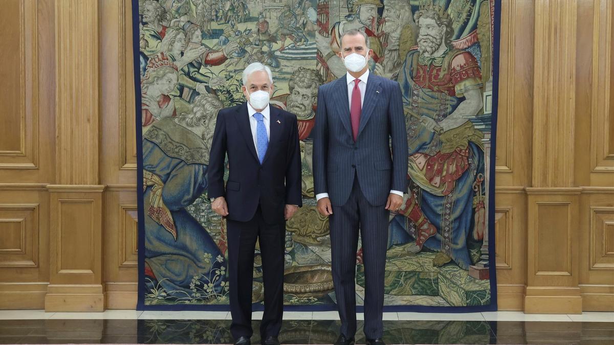 Don Felipe, con Sebastián Piñera.