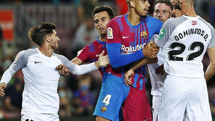 El Granada complica aún más al Barça