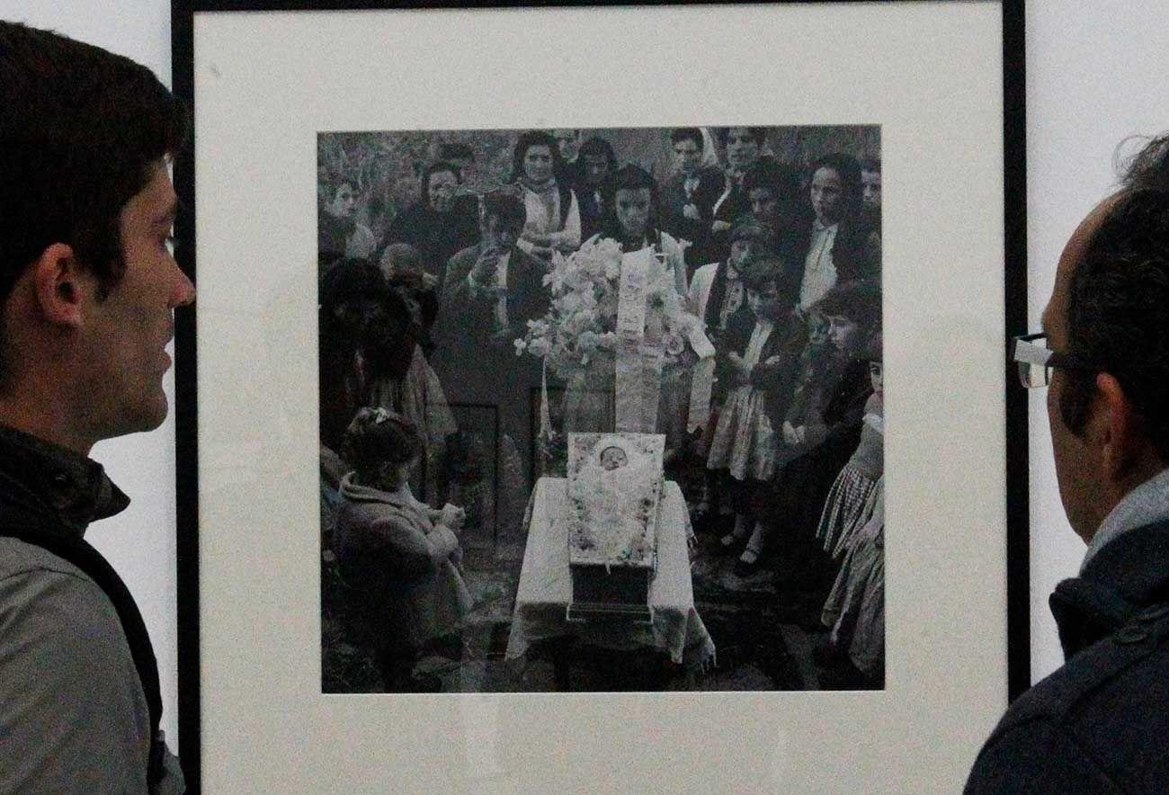 Un retrato fúnebre en una exposición de la obra del fotógrafo Virxilio Vieitez  celebrada en el museo  MARCO de Vigo.