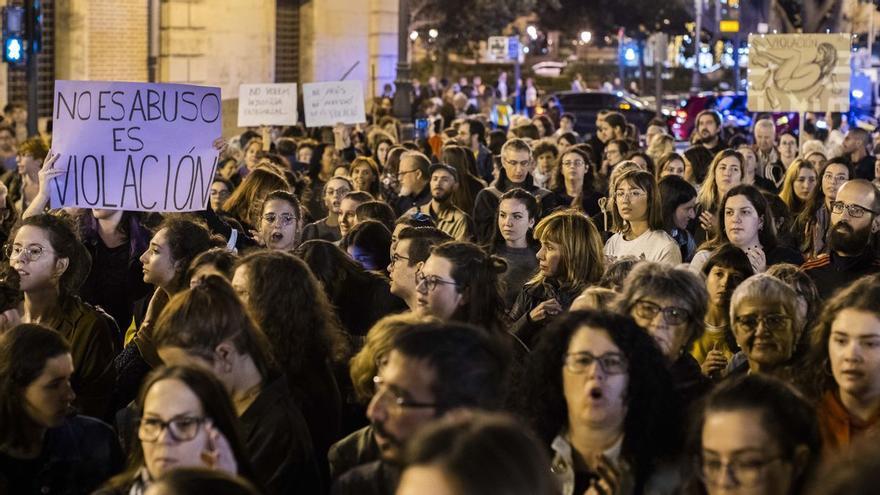 Los dos valencianos acusados por vejar y revelar la identidad de la víctima de la manada