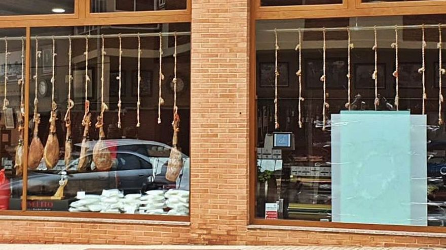 Intenta robar en dos tiendas de Benavente y la pérdida de sus llaves le delata