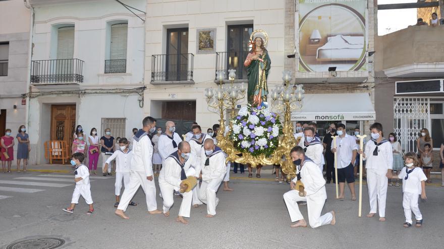 GALERÍA | Moncofa vive el día de la 'Festa Major' sin ofrenda pero con mucha devoción