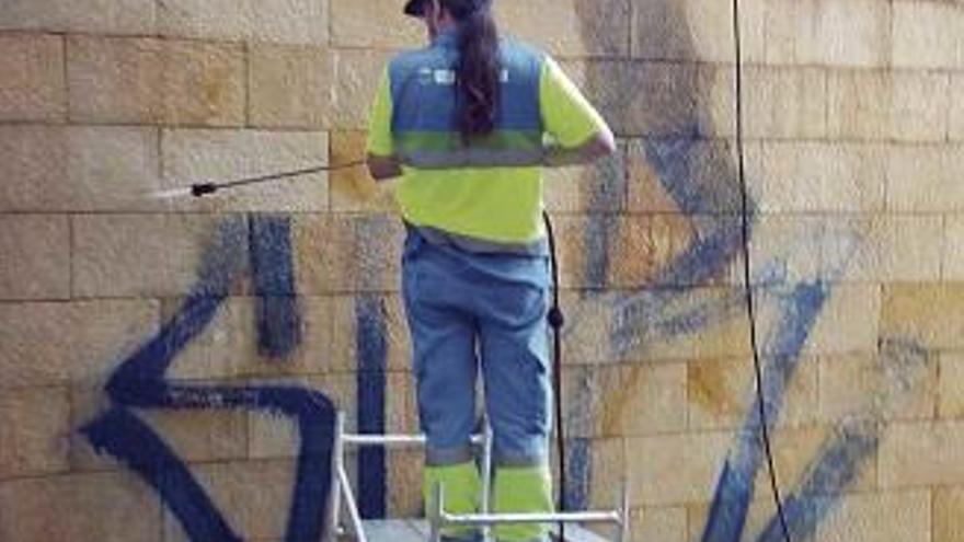 Die Graffiti-Reinigung in Palma gibt es bald nicht mehr kostenlos