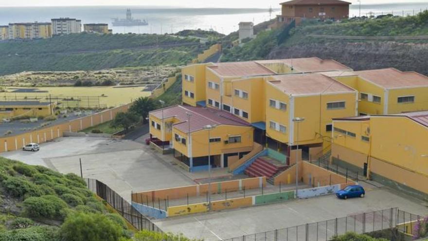Educación reordena su red de centros y cierra tres colegios en Gran Canaria