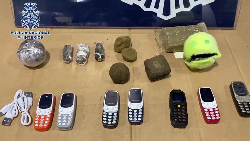 Uno de cada cuatro presos usa móviles clandestinos en las cárceles gallegas