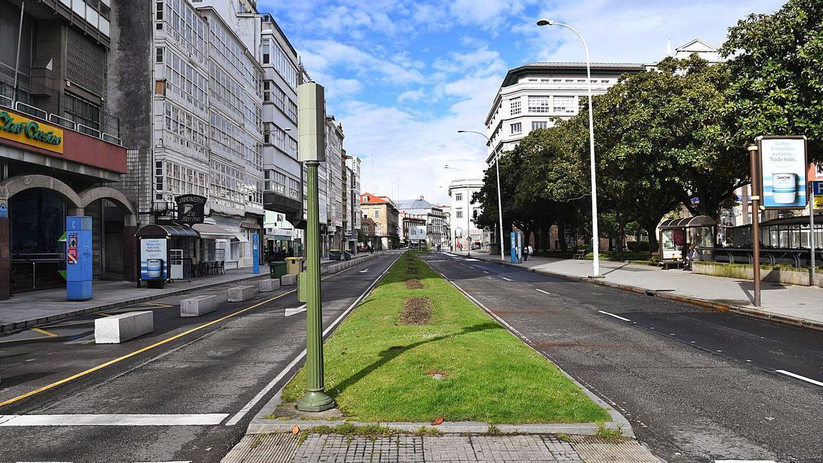 Tramo de la avenida de la Marina cuyo dos carriles de la izquierda se peatonalizarán, al igual que en los Cantones.