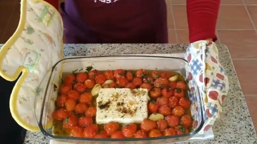 Así se cocinan los macarrones con queso feta que se han vuelto virales en Tik Tok