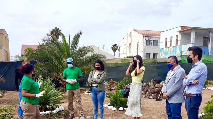 Telde colabora con la Fundación Adsis para reverdecer el huerto urbano de Las Remudas