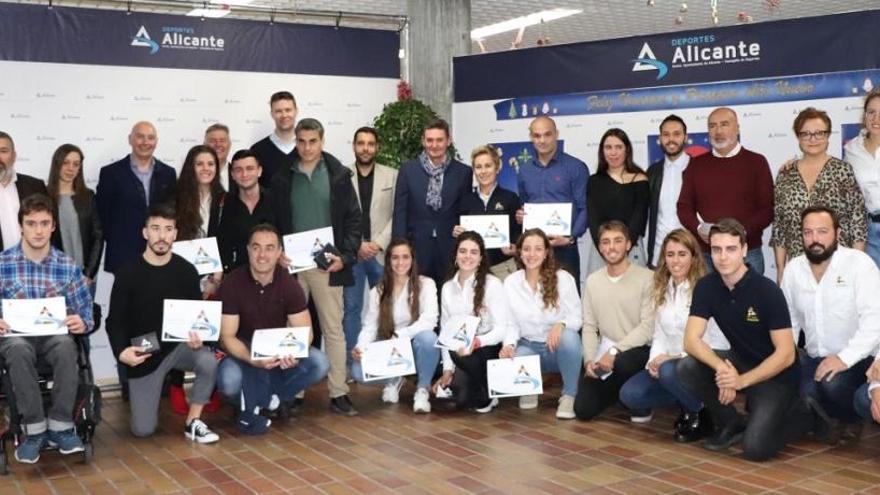 Alicante homenajea a sus deportistas de élite