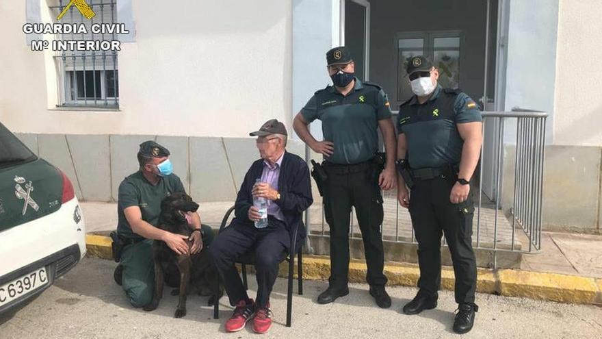 Hallan sano y salvo a un anciano desaparecido en Teulada