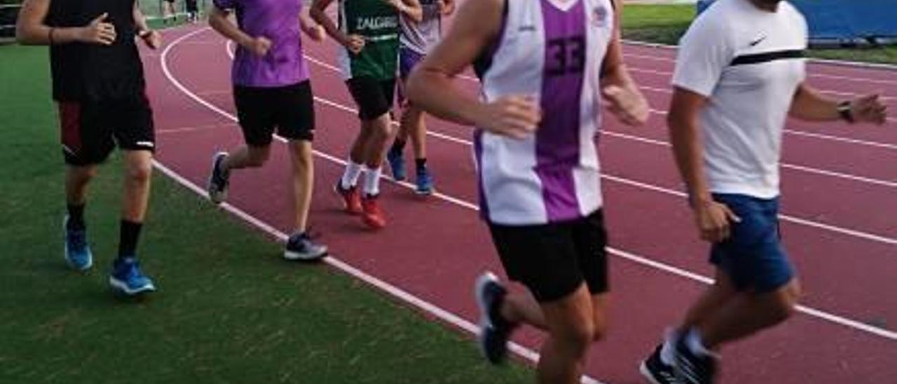 El primer entrene se realizó ayer en la pista de atletismo.