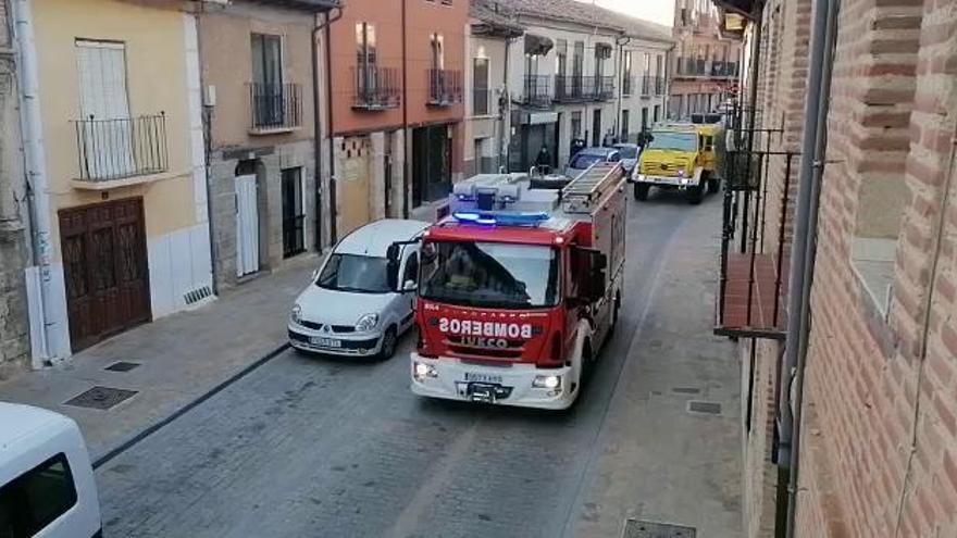 Caravana de apoyo a los sanitarios en Toro