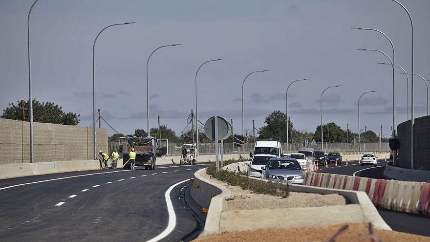 La reducción de nueve metros de ancho de la autopista de Campos se queda en uno