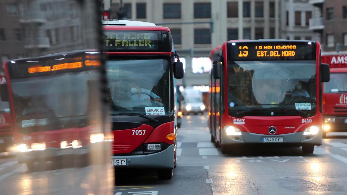 La EMT ha sufrido un fuerte descenso de viajeros en el último año.