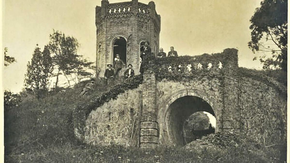 """El montículo del """"Castillín"""", a comienzos del siglo XX.   Laureano Vinck / Archivo Vinck"""