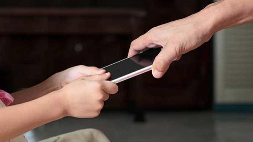 Cómo configurar el móvil para evitar desastres con los niños