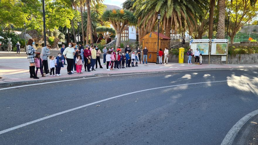 Pasacalles de Reyes Magos en el pueblo de Santa Lucía