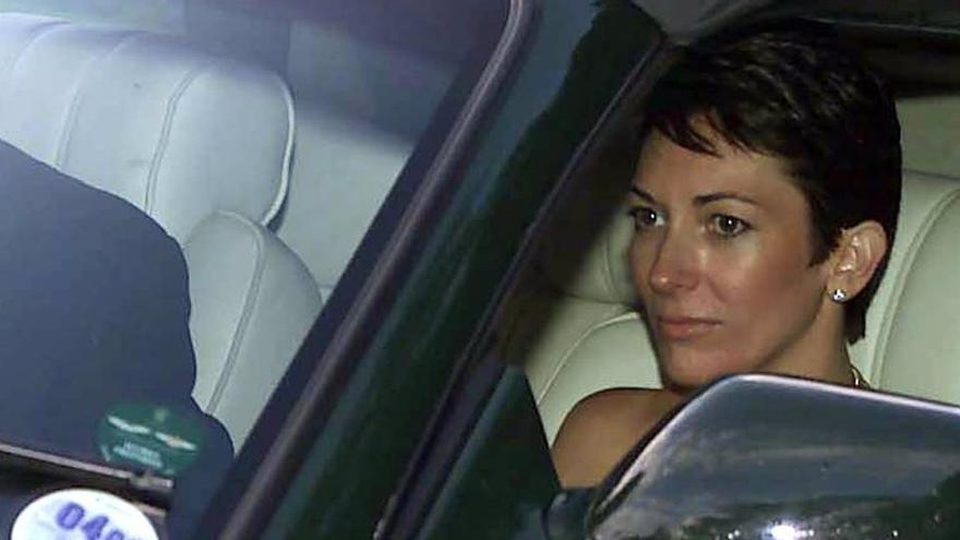 Ghislaine Maxwell seguirá en prisión tras negarle una jueza salir bajo fianza