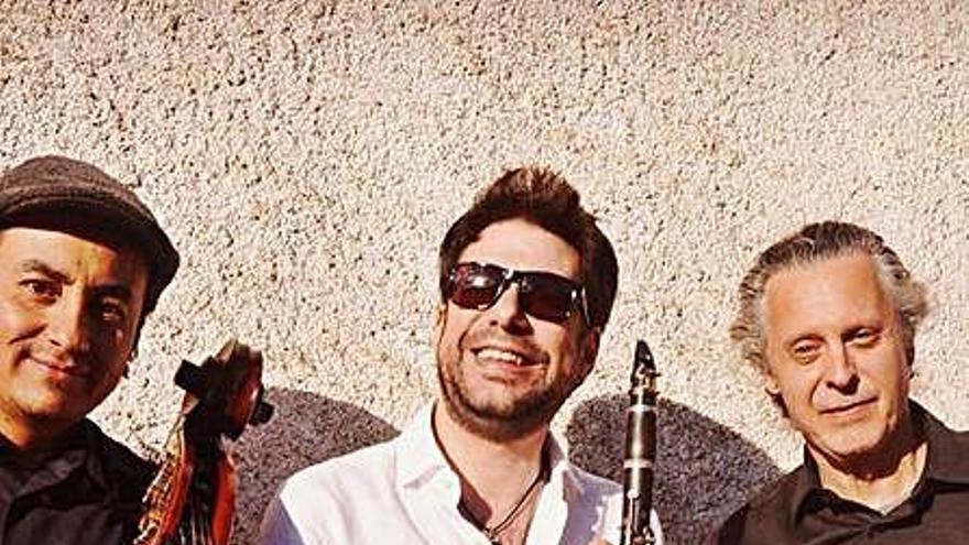 Els Cat Klezmer Trio obren aquesta tarda una nova edició del Sona Amer