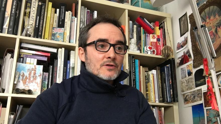 Albert Garcia: «La poesía me permite ser original e innovar en la forma de expresar los temas»