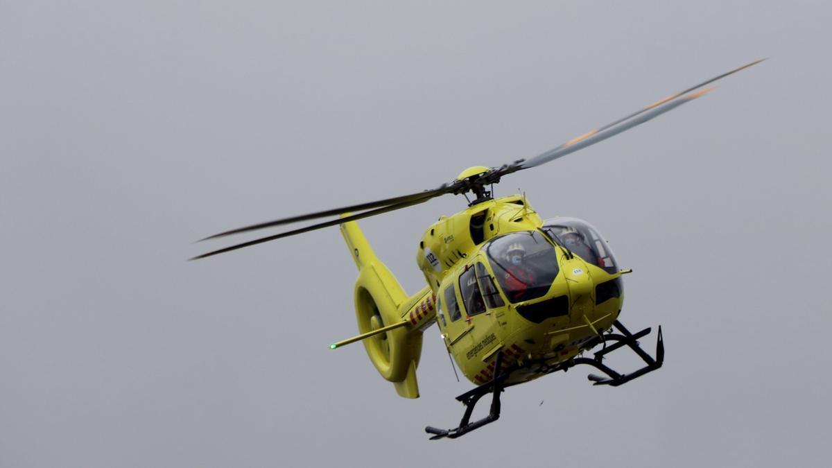 Un helicòpter el Sistema d'Emergències Mèdiques (SEM).
