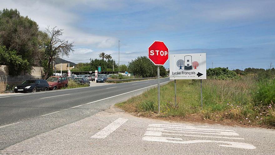 Cerca de 150 firmas para cambiar un punto negro de una carretera de Ibiza
