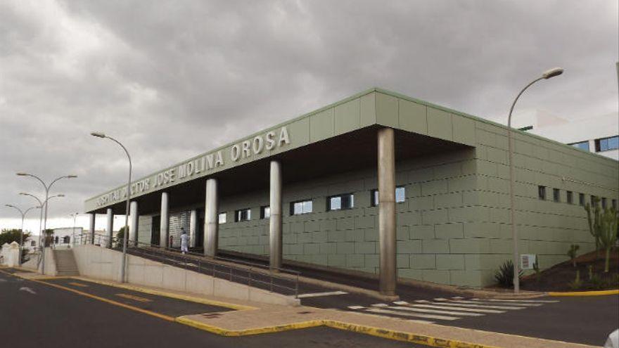 La consulta de diagnóstico rápido del cáncer del Hospital Molina Orosa  atiende 74 pacientes