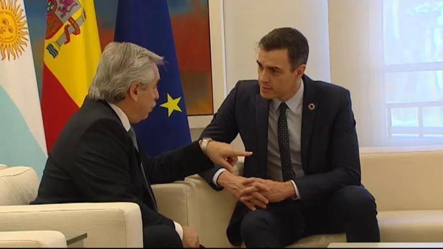 Sánchez respalda renegociar la deuda de Argentina