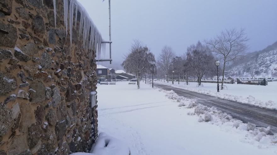Porto, sepultado por la nieve