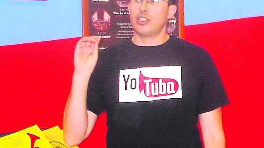 David Muñoz, explica el contenido de un taller impartido en Toro.