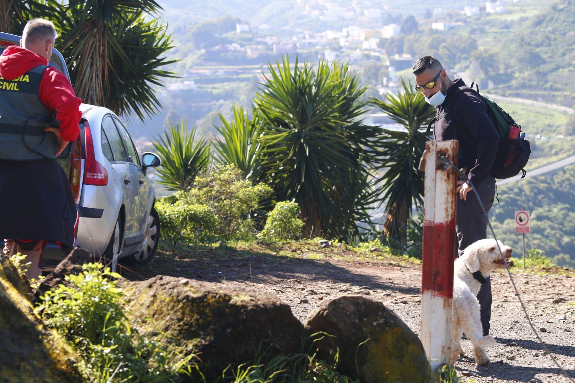 La Guardia Civil busca con perros al taxista desaparecido en Teror