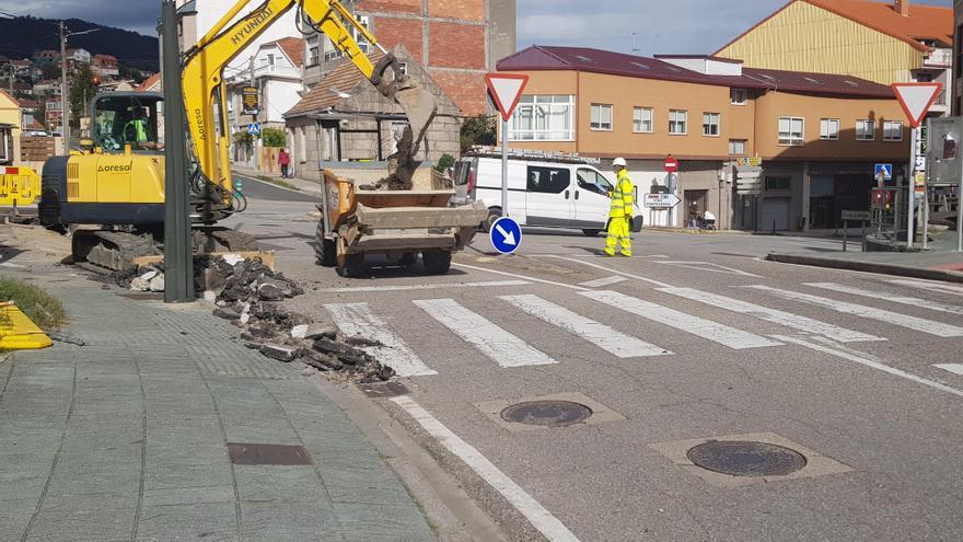 Tráfico alterno en O Portal do Almacén por la obra de saneamiento