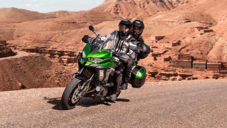 Las nuevas Kawasaki Versys 1000 SE y Z400 ya están a la venta en España