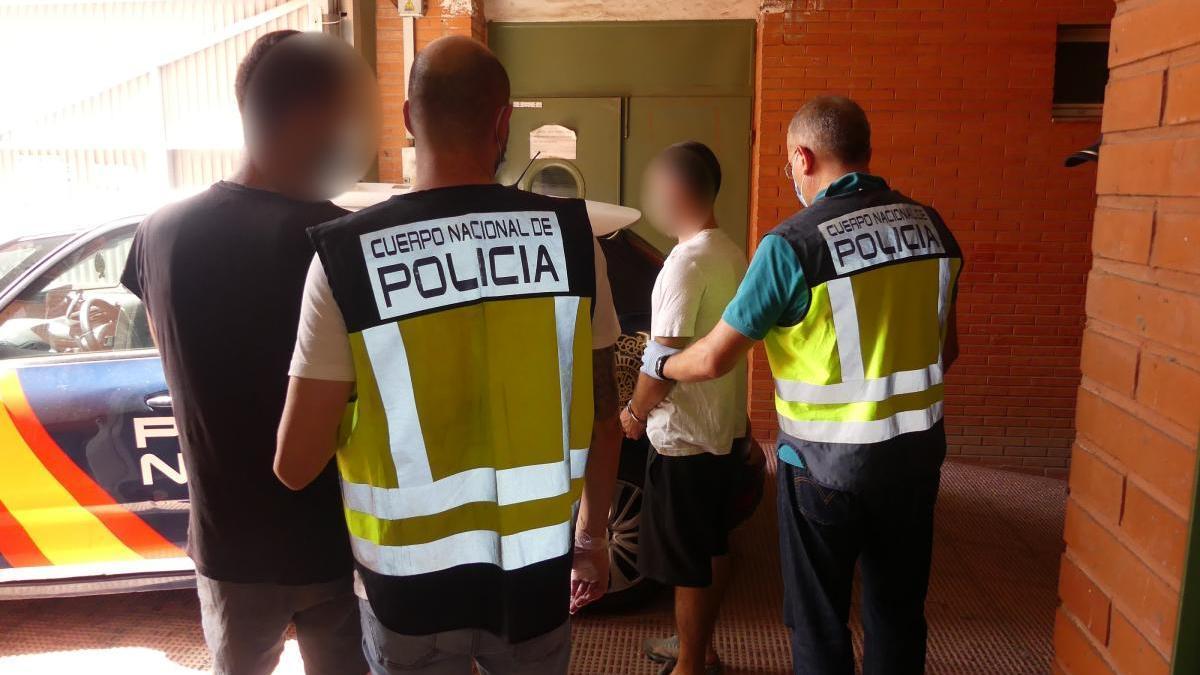 Detenida una banda criminal en Elche especializada en atracos con armas de fuego