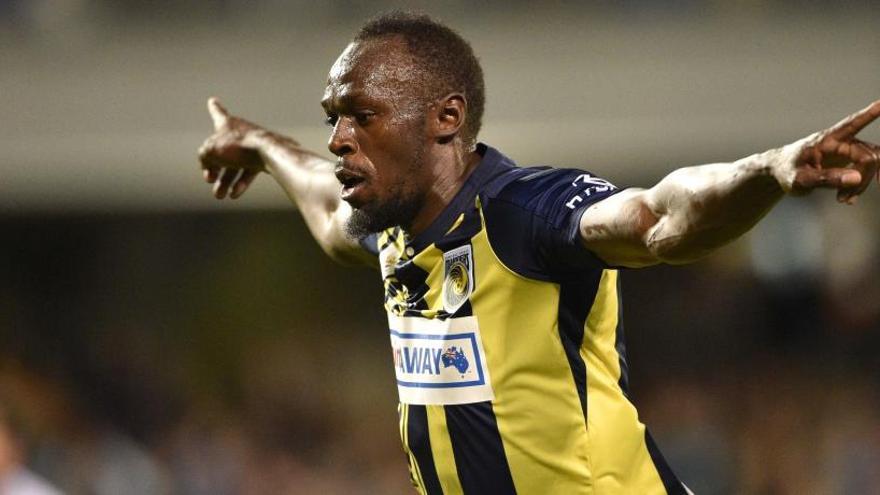 Usain Bolt deja el club de fútbol en el que jugaba