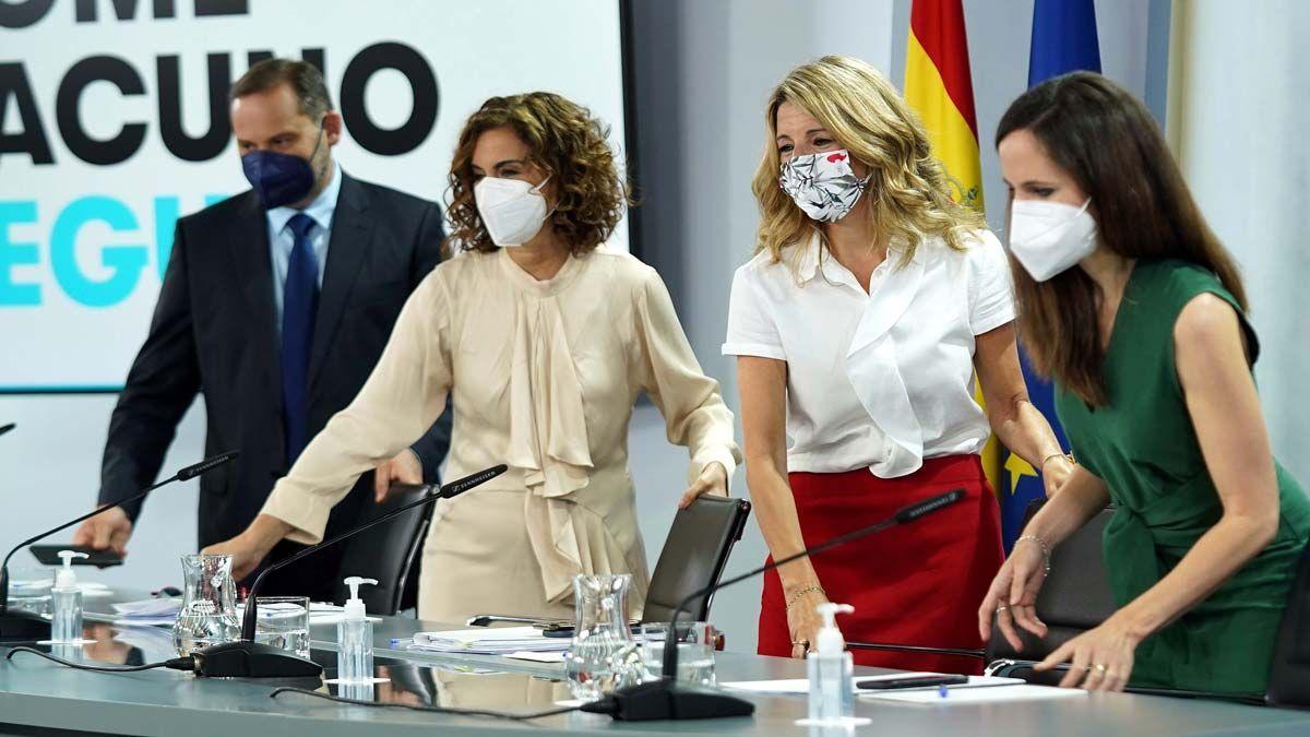 José Luis Ábalos, María Jesús Montero, Yolanda Díaz y Ione Belarra, en la rueda de prensa posterior al Consejo de Ministros de este 8 de junio, en la Moncloa.