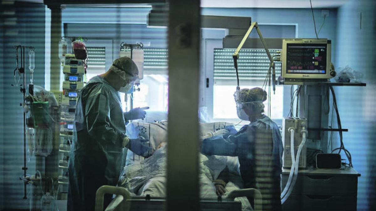 Más de 3.800 sanitarios canarios han estado en cuarentena