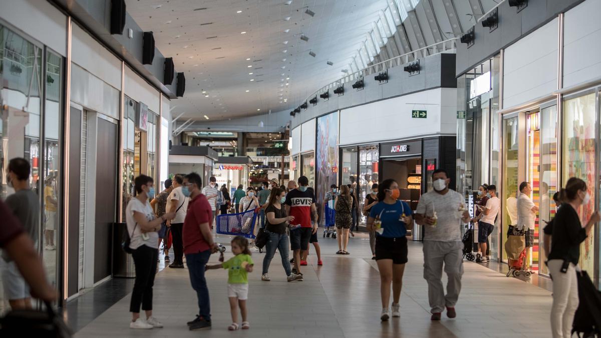 El nuevo horario de los centros comerciales en la desescalada