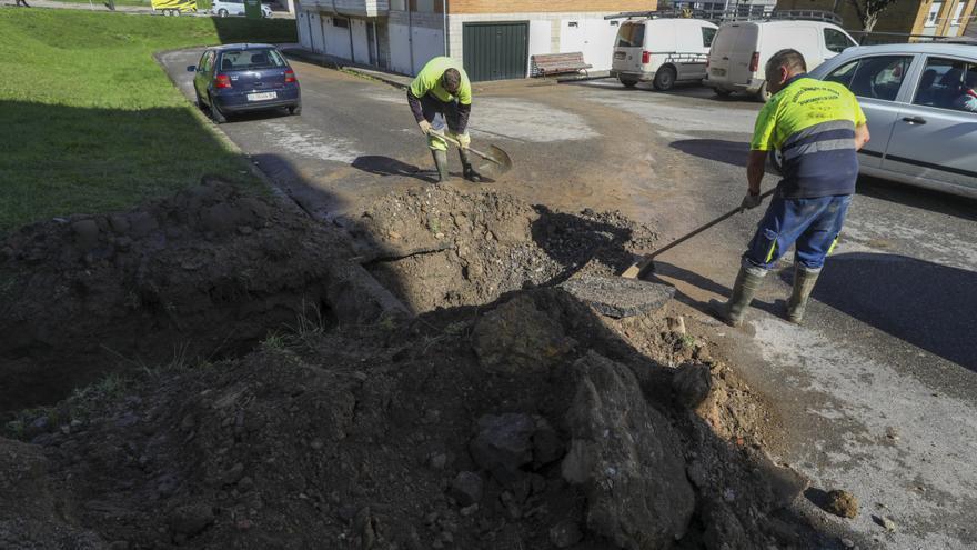 Una nueva avería deja sin agua otra vez a los vecinos de Luanco durante toda la mañana