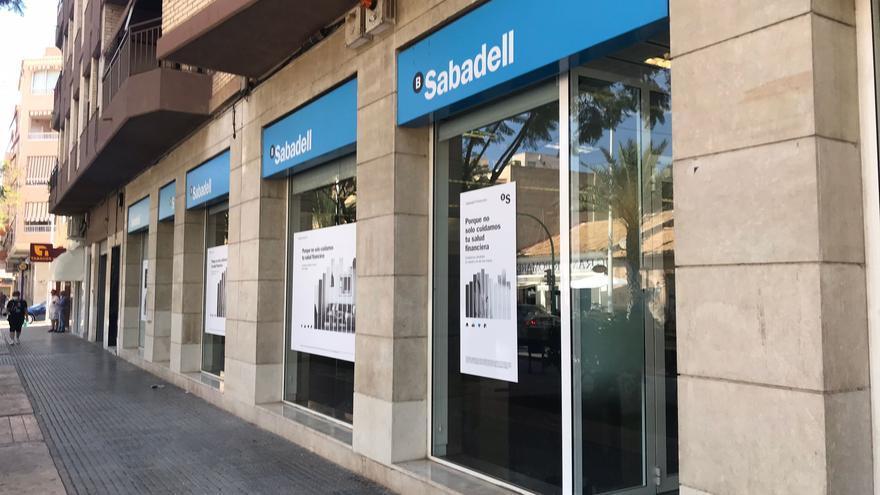 El Banco de Sabadell cierra en El Altet