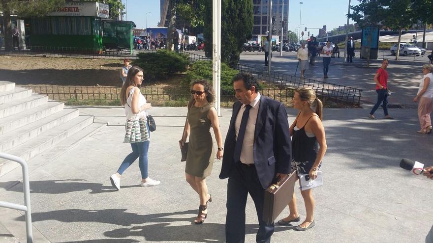 Noelia de Mingo, la doctora que mató a tres personas en la Jiménez Díaz, apuñala a dos mujeres en Madrid