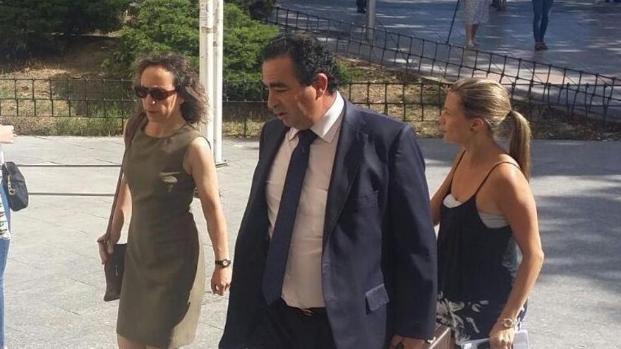 Noelia de Mingo, la médico que asesinó a tres personas en un hospital de Madrid hace 18 años, ha vuelto a apuñalar a dos mujeres