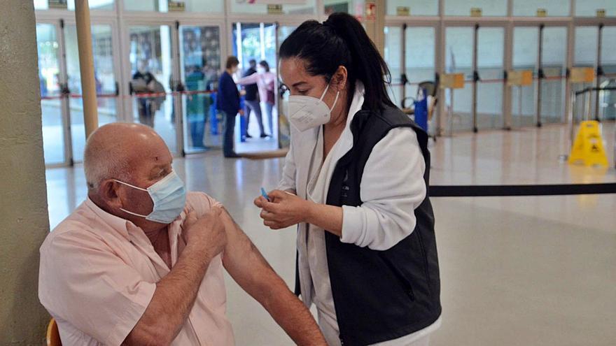 Cambados lidera en la provincia la participación de adolescentes en los test COVID de las farmacias