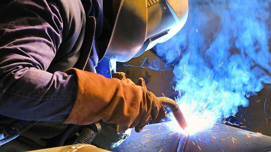 Tornero, charcutero, carretillero, soldador y comercial, las ofertas de empleo para despedir el año en Castellón