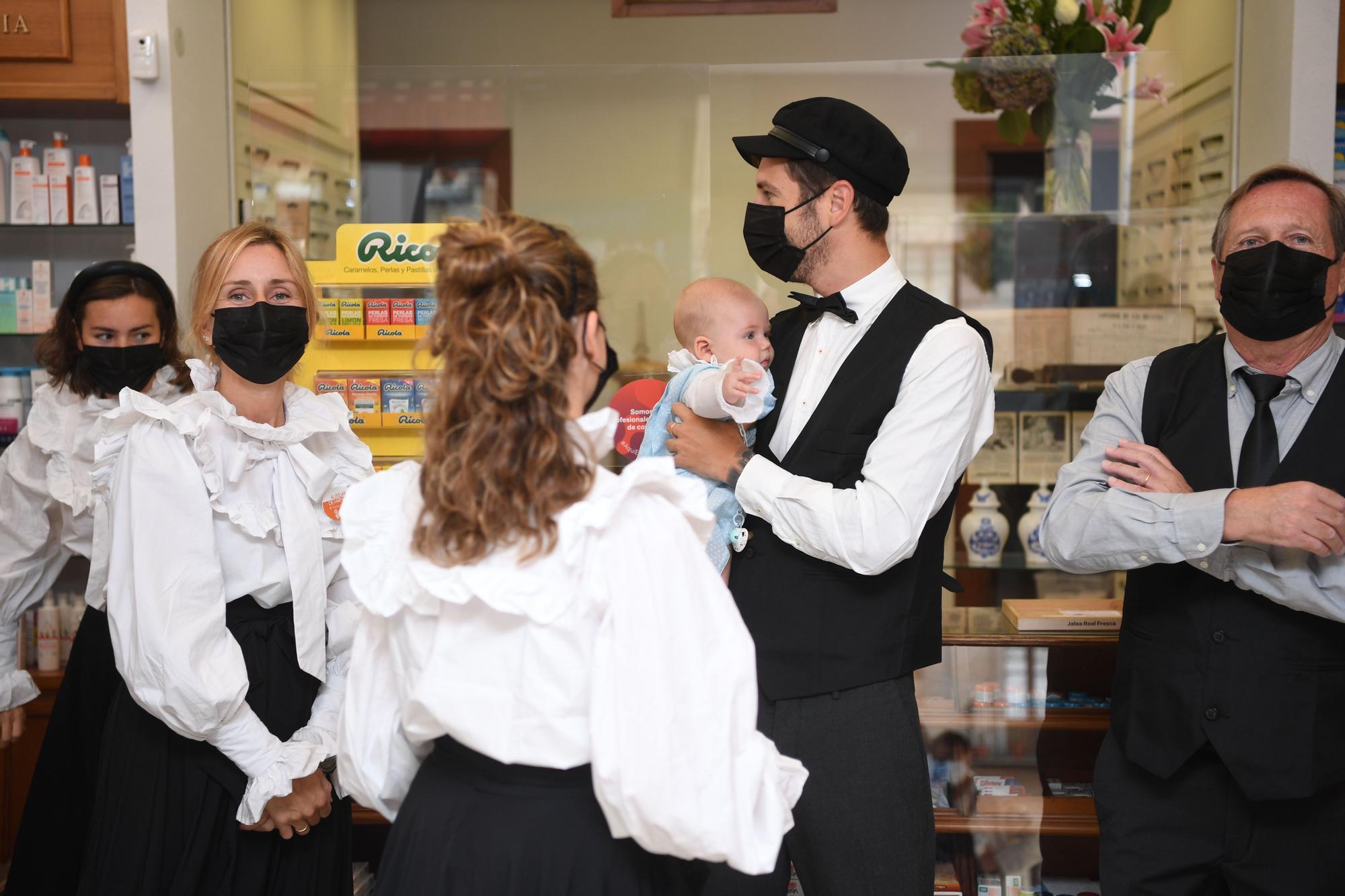 Trajes de época para celebrar los 150 años de la Farmacia Ossorio