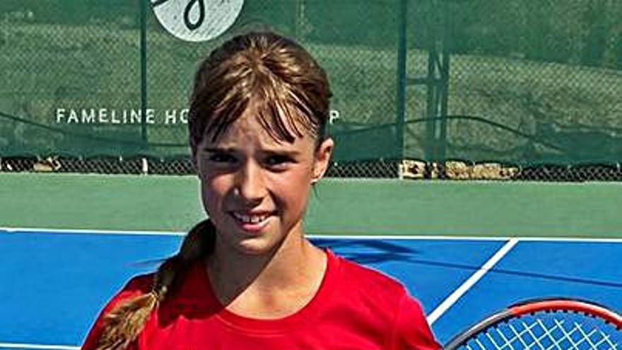 Paola Piñera debuta con victoria en el Europeo alevín